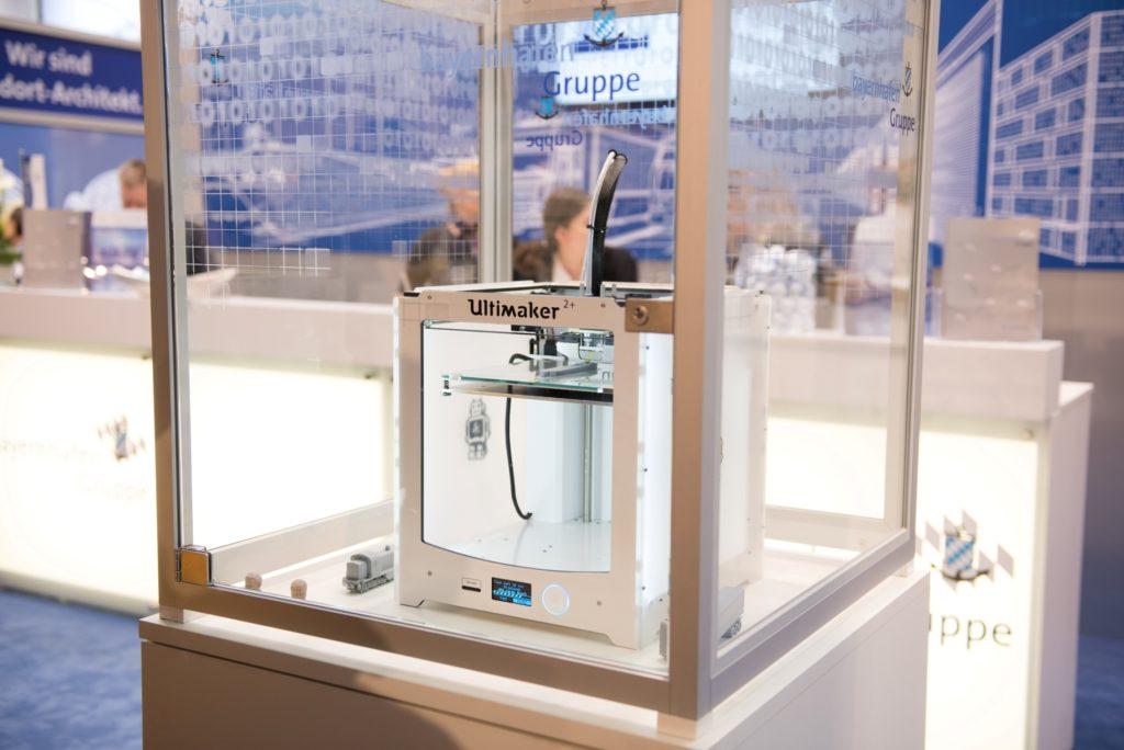 3D-Drucker auf dem bayernhafen Messestand tranport logistic 2017