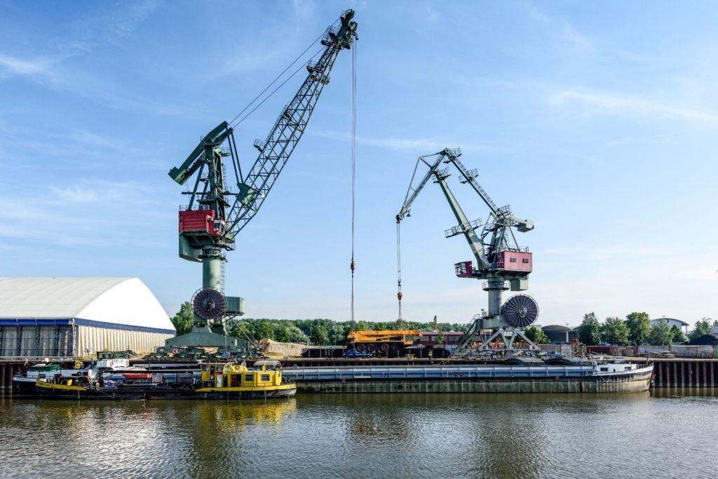 Umschlag Autokran Twinverfahren bayernhafen Regensburg