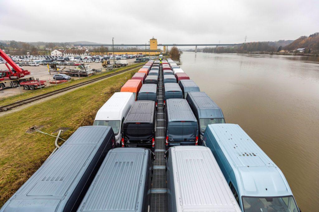 RoRo Roll-On Roll-Off Schiff Transport bayernhafen Passau