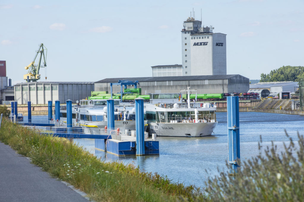 Anlegestelle Flußkreuzfahrtschiff bayernhafen Bamberg