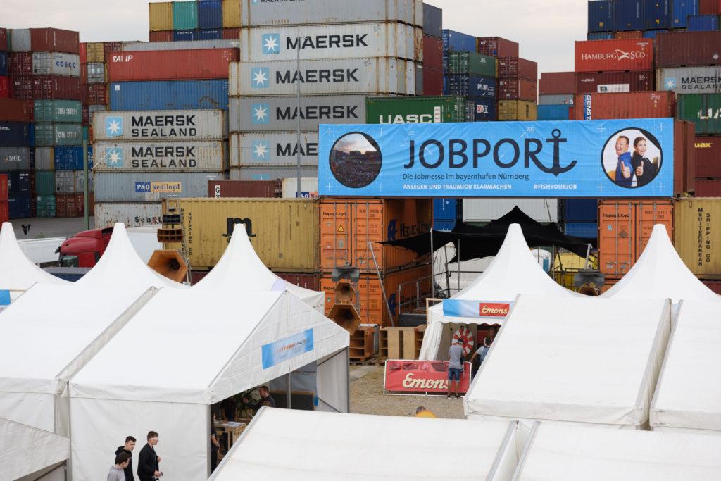 Eingang Jobmesse Jobport ContainerLove bayernhafen Nürnberg