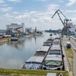 Schiffsgüterumschlag im bayernhafen Regensburg / Bild-Quelle: bayernhafen