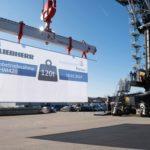 bayernhafen Passau Kran Inbetriebnahme Liebherr LHM420