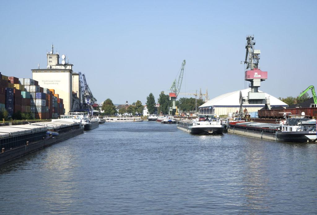 Westhafen Hafenbecken bayernhafen Regensburg