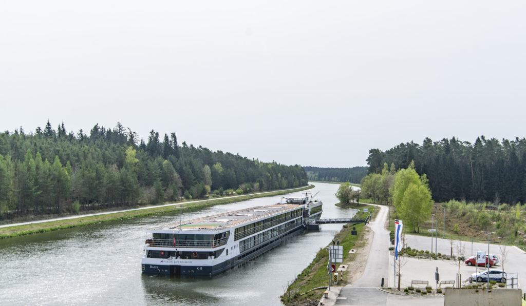 Anlegestelle Flußkreuzfahrtschiffe bayernhafen Roth