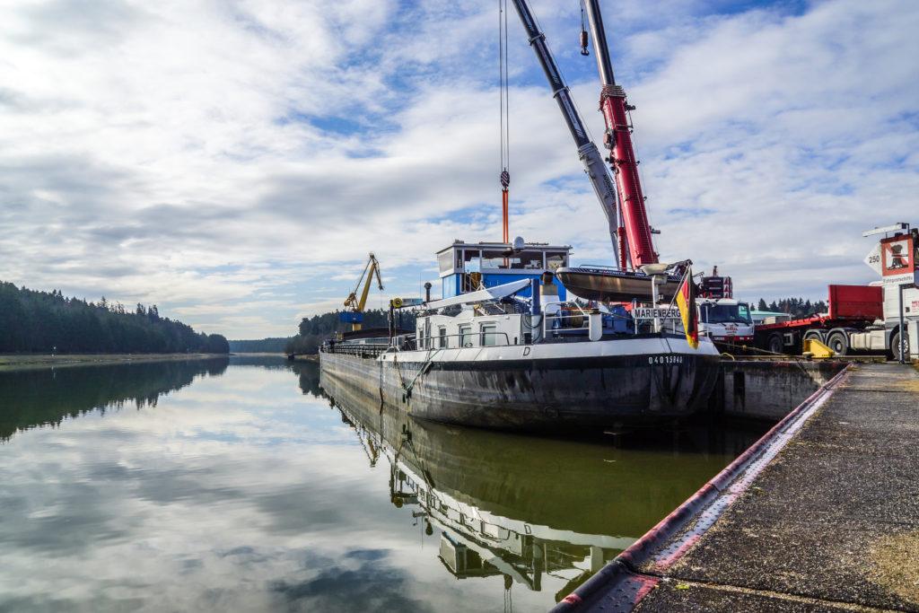 Schwergutumschlag bayernhafen Roth