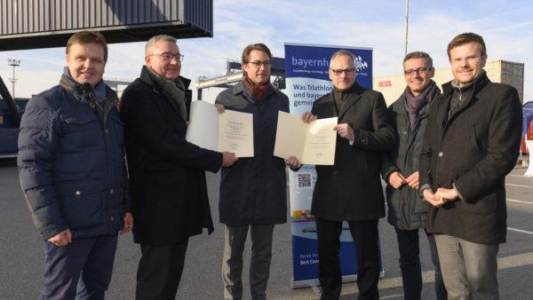 Übergabe Förderbescheid bayernhafne Nürnberg Bundesverkehrsminister Andreas Scheuer
