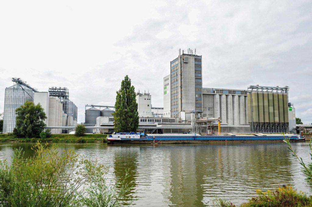Silos bayernhafen Regensburg BayWa