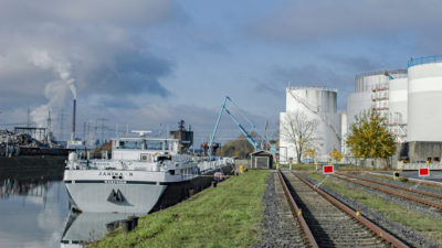 Tanklager Binnenschiff Mineralöl bayernhafen Aschaffenburg