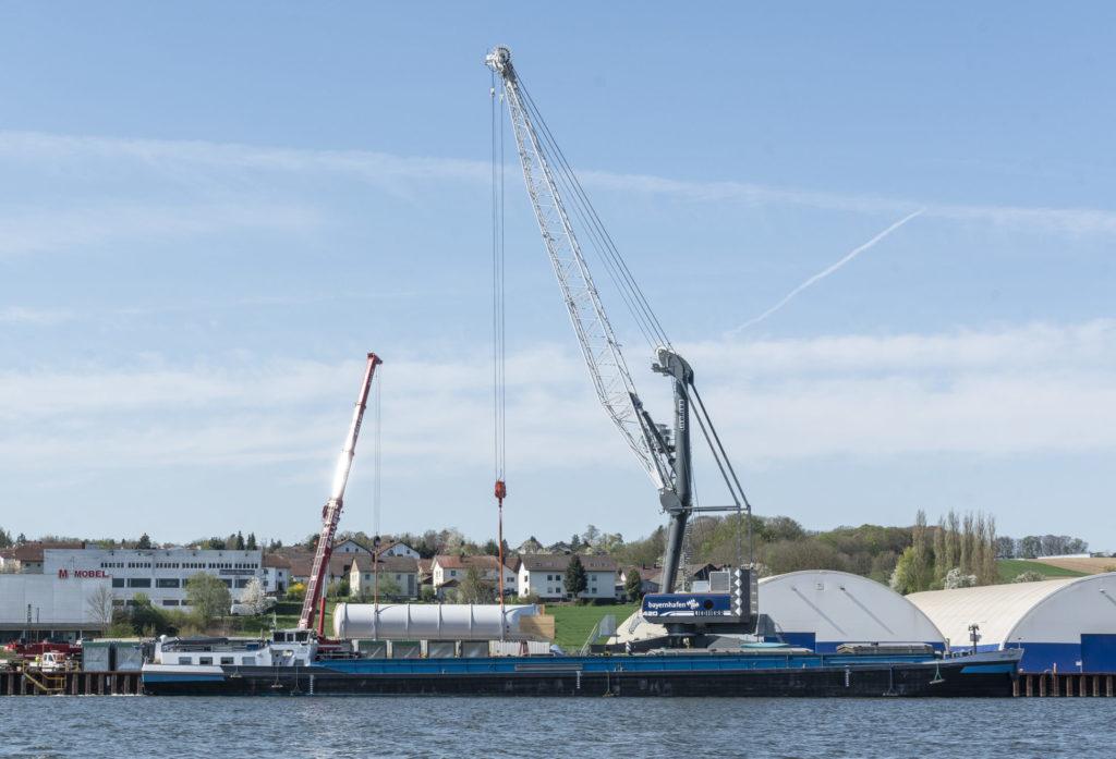 Schwergut Linde bayernhafen Passau LHM420 Liebherr