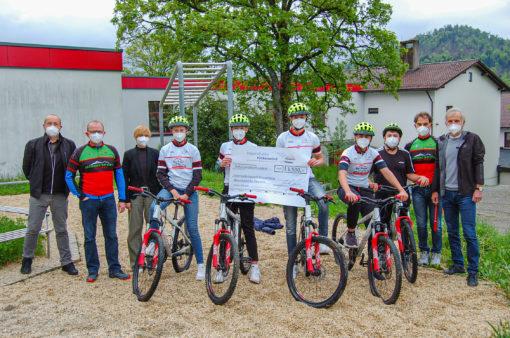 Spendenübergabe an die Sportmittelschule Hauzenberg
